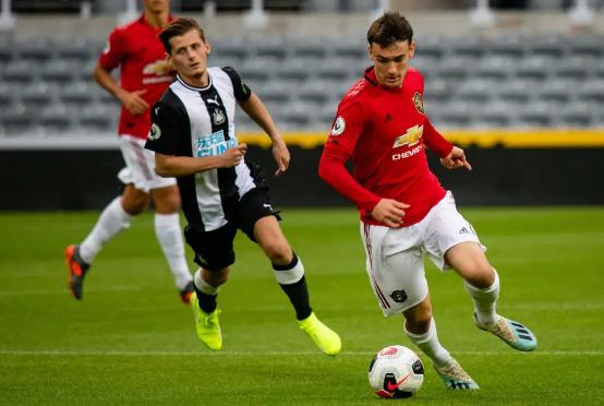 Fudbaler Manchester Uniteda potpisuje za balkanski klub?!