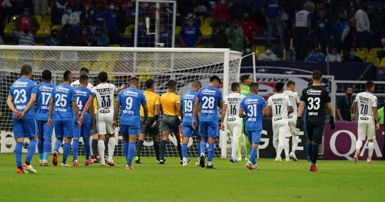 Utakmica Lige prvaka prekinuta zbog bizarne pjesme