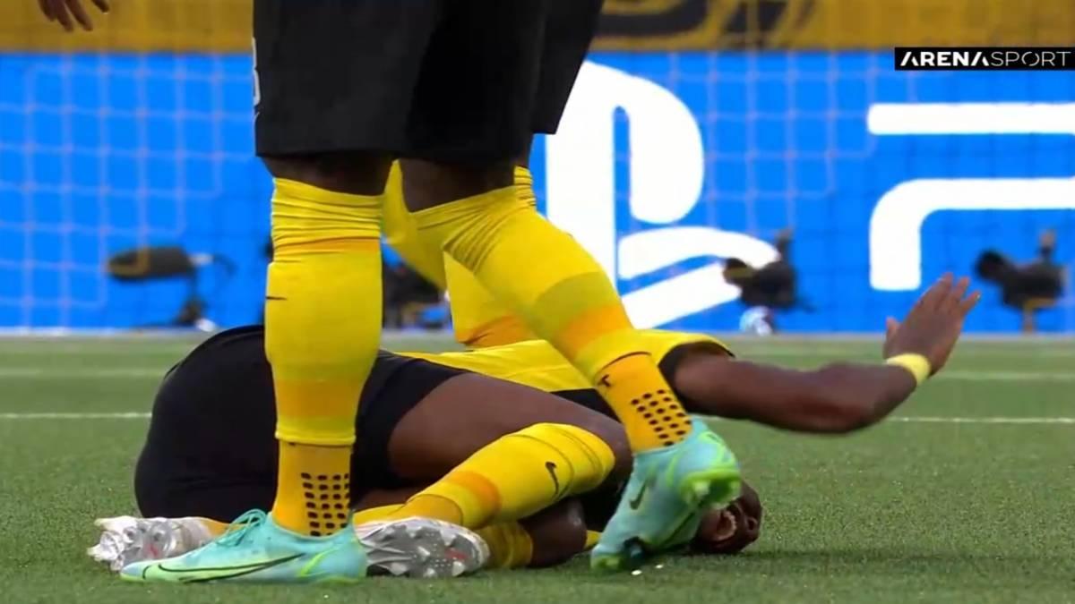 Uznemirujuće scene: Wan-Bissaka dobio direktan crveni karton [VIDEO]